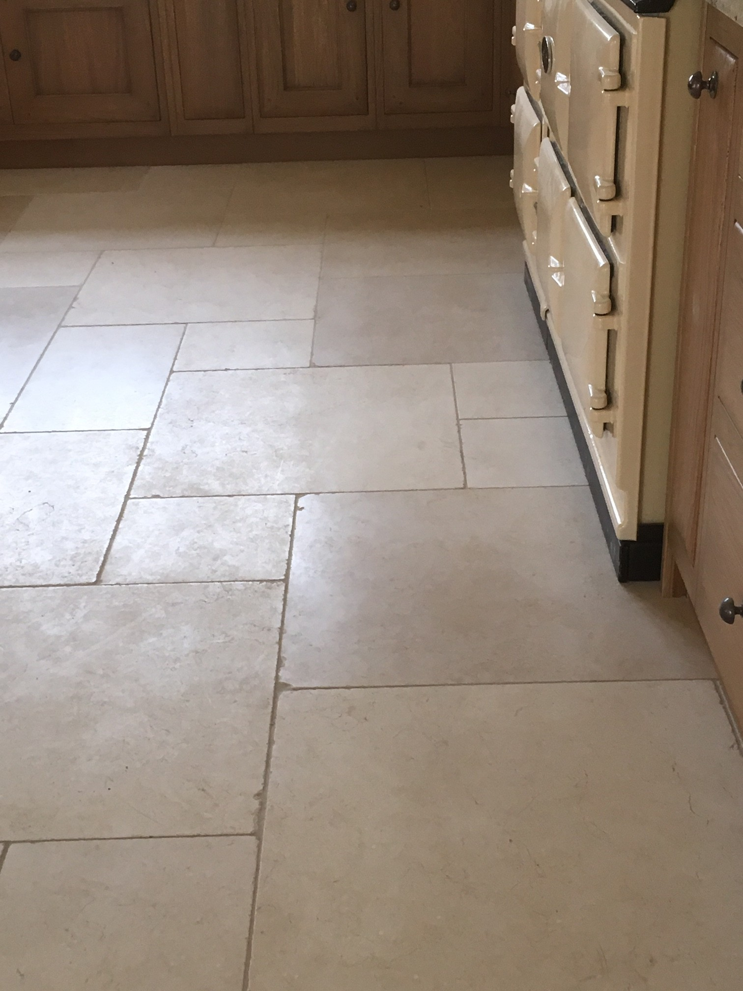 Fontabbeye limestone hard rock flooring for Hard floor tiles